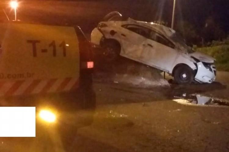 https://radiofm97.com.br/uploads/news/Uberaba: Bandidos são presos após capotarem carro roubado em viaduto