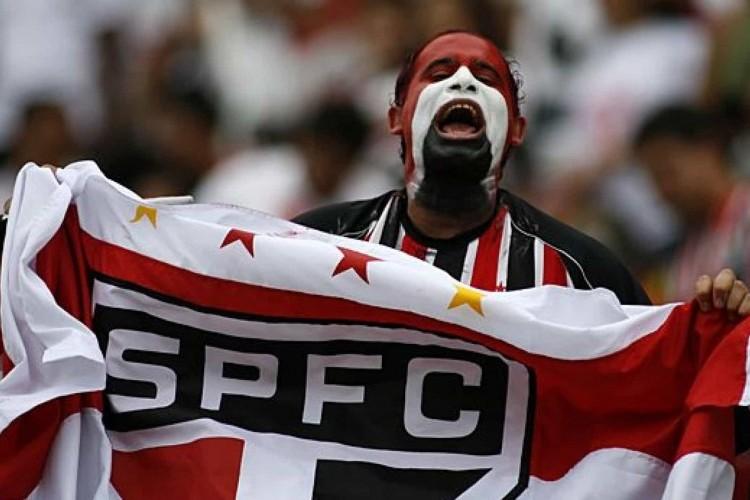 https://radiofm97.com.br/uploads/news/Terceiro goleiro do São Paulo desmaia em treino e é levado a hospital