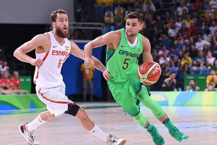 https://radiofm97.com.br/uploads/news/Raulzinho confessa estar inseguro com possível retorno da NBA